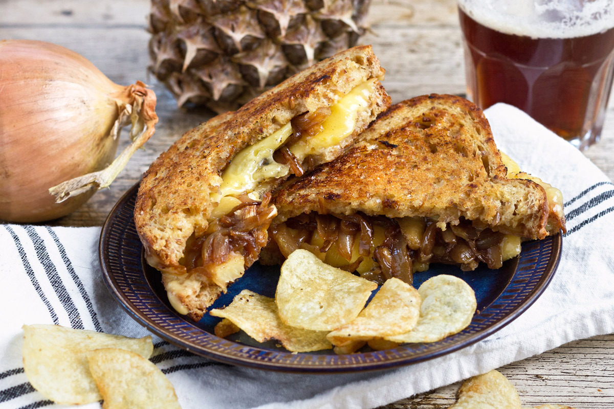 Grilled cheese sandwich with caramelized onions and pineapple | www ...