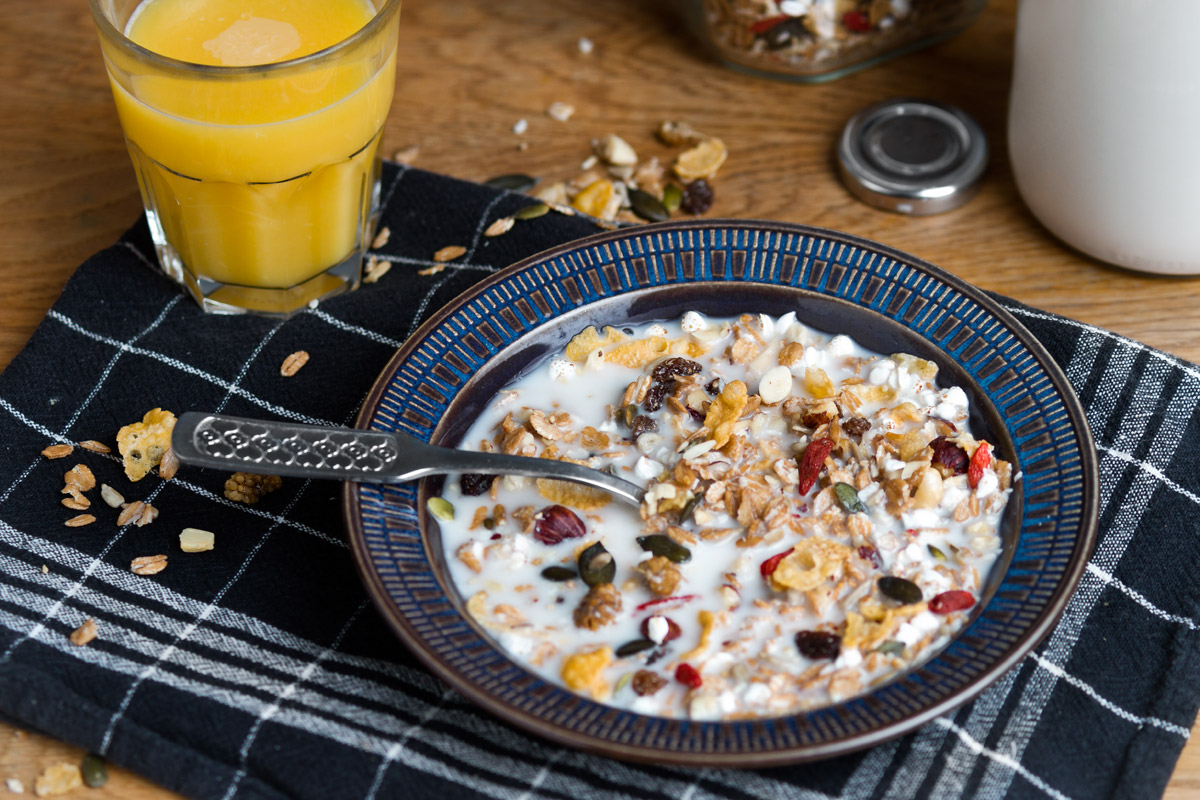 Magnificent Muesli - packed with superfoods, no refined sugar, whole grains containing essential nutrients and vitamins, nuts and seeds full of protein and omega-3, high in fiber, filling and most of important of all – it tastes great! | www.planticize.com