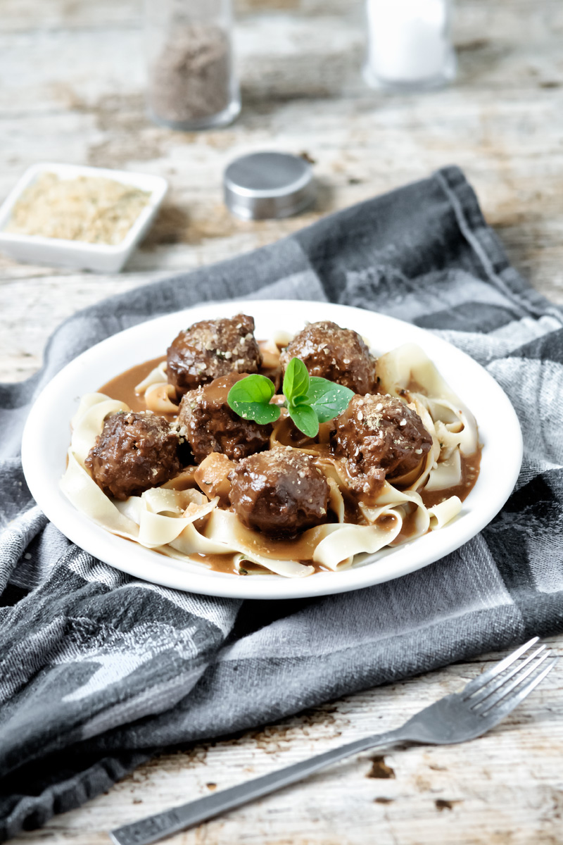 Swedish Meatless Balls | www.planticize.com