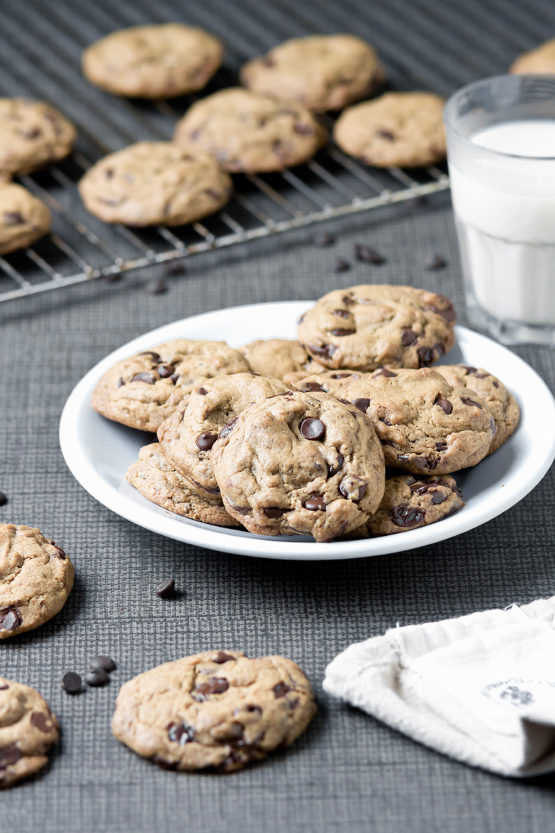 Ultimate Vegan Chocolate Chip Cookies | www.planticize.com