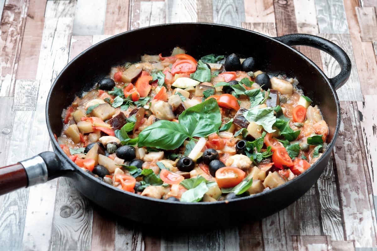 Zucchini pasta alla Puttanesca | www.planticize.com